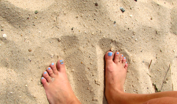 feet, pedicure, toes, missyonmadison, sand, beach, summer, blog, blogger, long island,