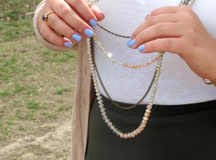 jewels jewelry layerednecklaces bling capwellco luckyfabb mani manicure essie