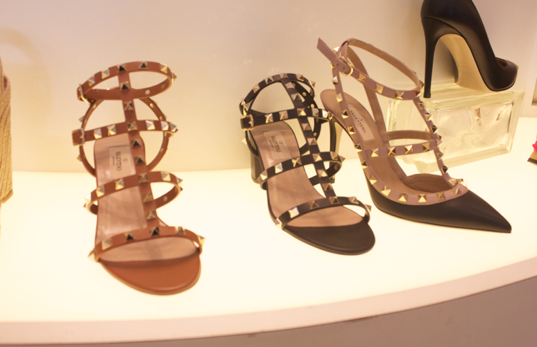 valentino valentinostuddedshoes shoes jildor style fashion blog blogger missyonmadison bow studs studdedshoes