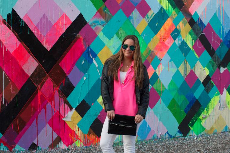 bowery soho muralonbowery nyc missyonmadison oldnavy neonpinktop whitejeans michaelkorsbag ninewestheels shoes heels shop style blog blogger fashion fashionblog styleblog