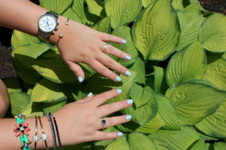 essie mani manicure bluemanicure nails nailpolish fashion fashionblog blog blogger style styleblog missyonmadison bling gold jewels jewelry michaelkors