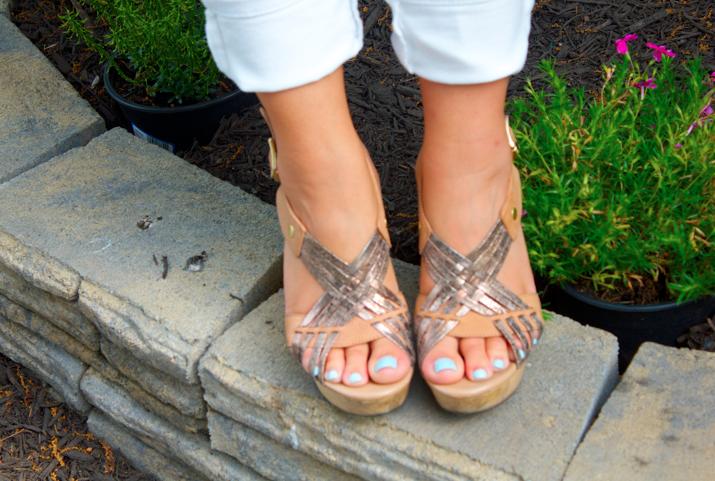 missyonmadison shop style blog blogger fashionblog shoes wedges nudewedges metallicwedges stevemadden feet pedicure essie