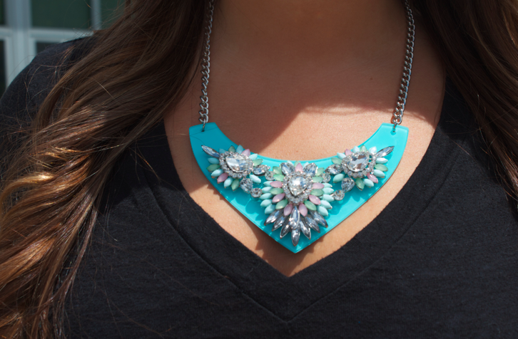 lailarowe necklace statementnecklace win winner winning missyonmadison giveaway contest jewels jewelry bling blingbling lailarowegiveaway bluestatementnecklace