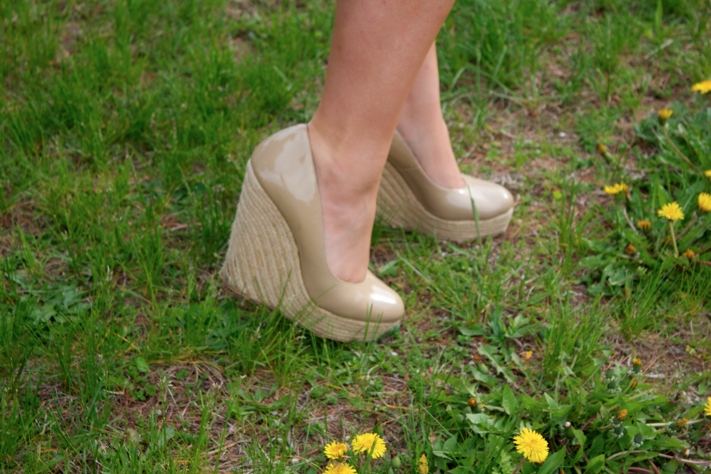 nudewedges espadrillewedges stevemadden nudestevemaddenwedges stevemaddenespadrillewedges fashion blog blogger missyonmadison feet style styleblogger fashionblogger