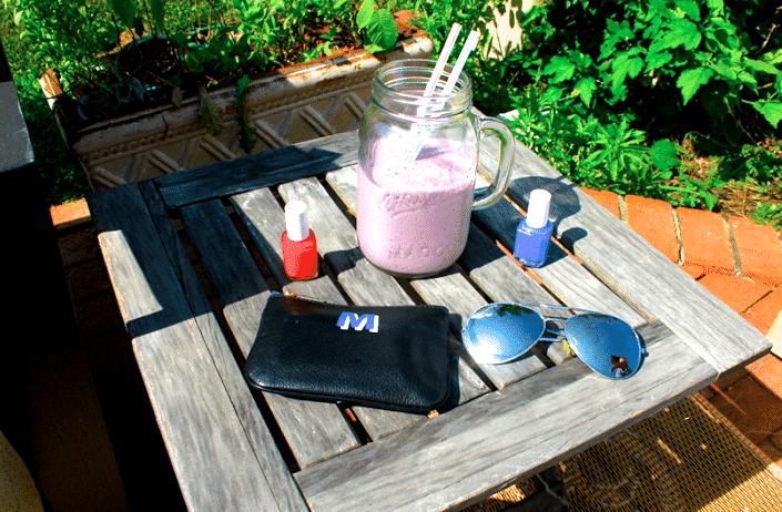 rebeccaminkoff nailpolish rednailpolish essie bluenailpolish 4thofjuly july4th smoothie masonjar missyonmadison blog blogger yum yummy