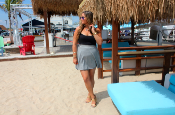 nauticalmile freeportny missyonmadison blog blogger fashionblog fashionblogger stripedskirt blackcami longhairdontcare mirroredavaitors whitebucketbag sand beach summer summerlovin boats water ocean