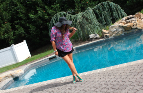 abercrombie missyonmadison oldnavyshoes greensandals blackfloppyhat abercrombiefloralshirt pinkfloralshirt fashion style blog blogger fashionblogger longisland summerstyle summer mirroredaviators