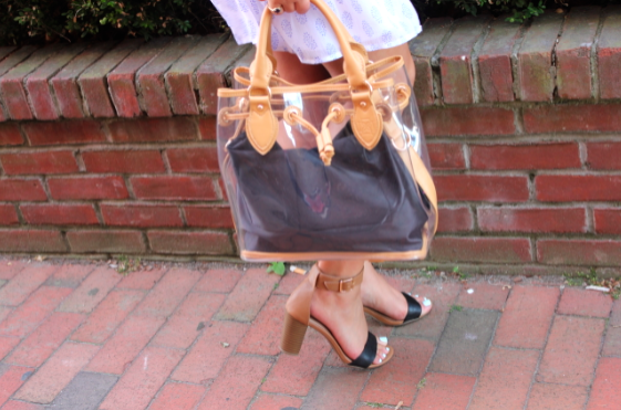 oldnavy missyonmadison fashionblog fashionblogger styleblog dominieluxury jellytote oldnavydress blocksandals hamptons