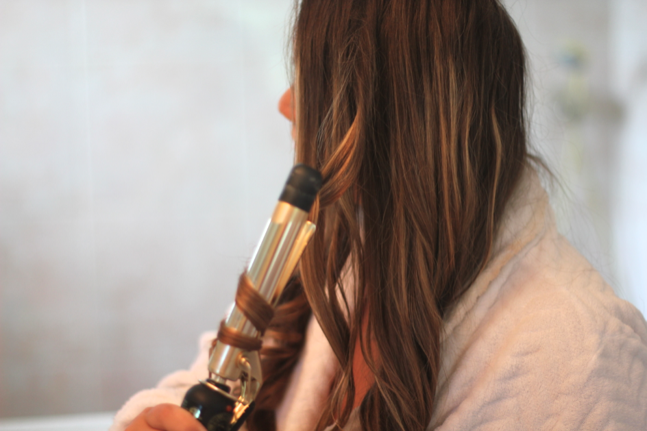 missyonmadison beauty hair brunette haircurling diy beautytips beautyguide hottools longhairdontcare dryshampoo hairspray photography fashionblog blog blogger beautyblogger