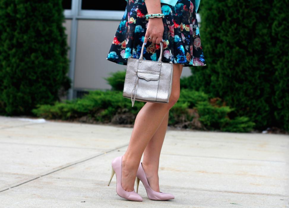 missyonmadison targetfloralscubaskirt floralskirt nylaheels nudepumps rebeccaminkoff minimabtote mintgreenblazer pinkbasis whitecroptop fashionblog streetstyle