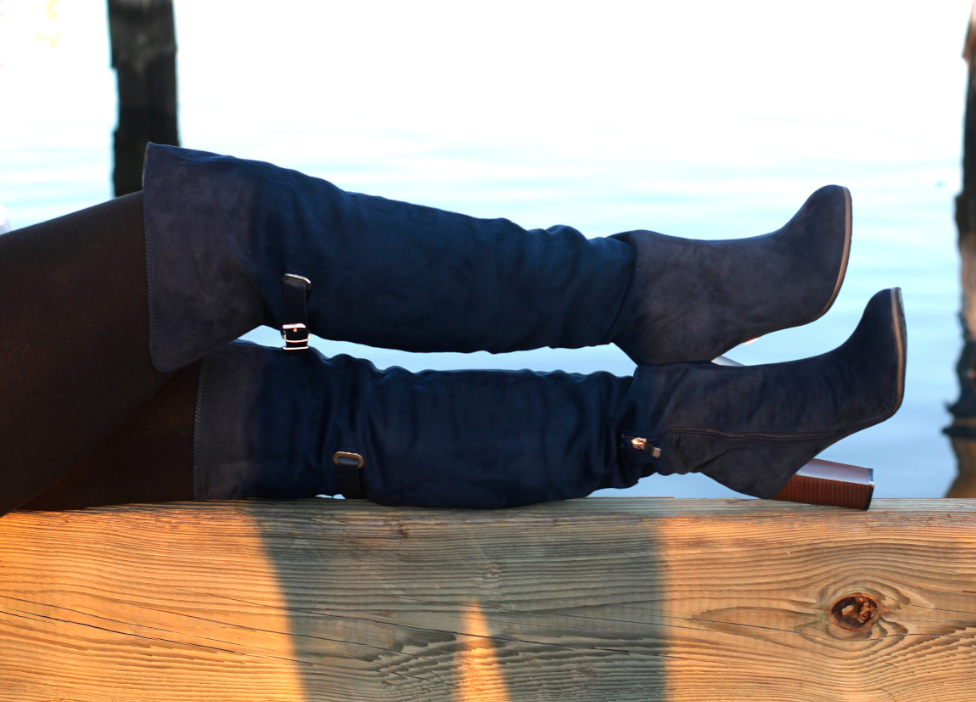 missyonmadison greensunglasses greenmirroredsunnies kameleonzshades giveaway contest longisland blogger leopardbag kelsidaggerbag navyotkboots navysuedeboots whitebuttondownblouse grayfauxfurvest longislandblogger babylonmarina babylonvillage interchangeablesunglasses