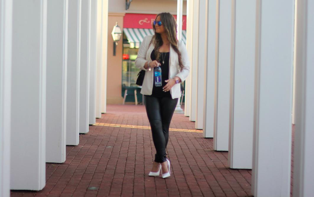 missyonmadison fashionblogger nyfw2015 mbfw2015 mbfw nyfw whitepumps blacklysseleggings smartwater blueraybans rebeccaminkoffaffairbag whiteboyfriendblazer bluefacemichaelkorswatch