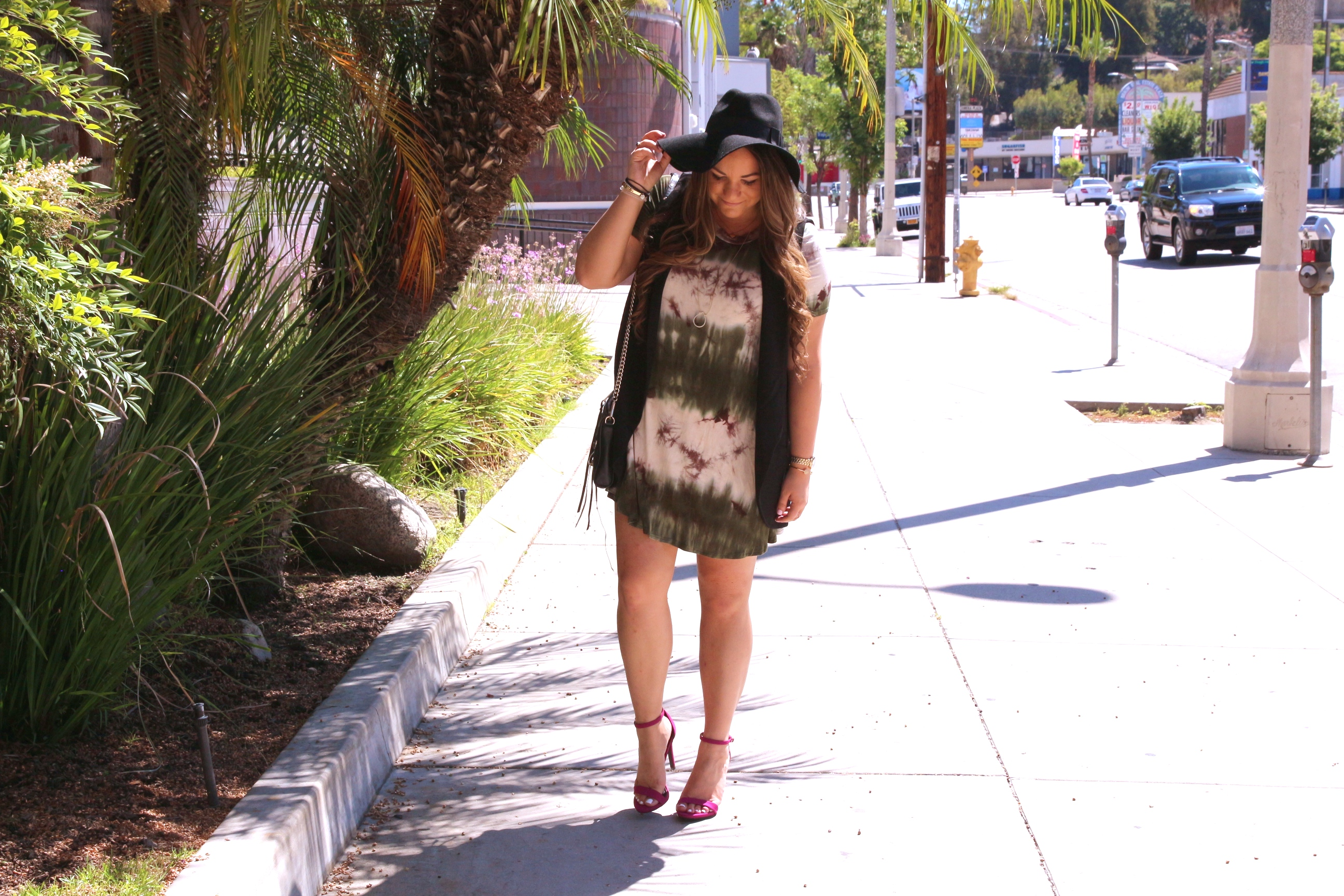 missyonmadison, melissa tierney, fall style, fall fashion, tie dye dress, olive green dress, short sleeve tie dye dress, ami clubwear, pink ankle strap sandals, ami clubwear shoes, mini mac bag, rebecca minkoff mini mac bag, black mini mac bag, outfit inspo, fall outfit inspo, black floppy hat, felt floppy hat, topshop floppy hat, black sleeveless vest, nordstrom black sleeveless vest,