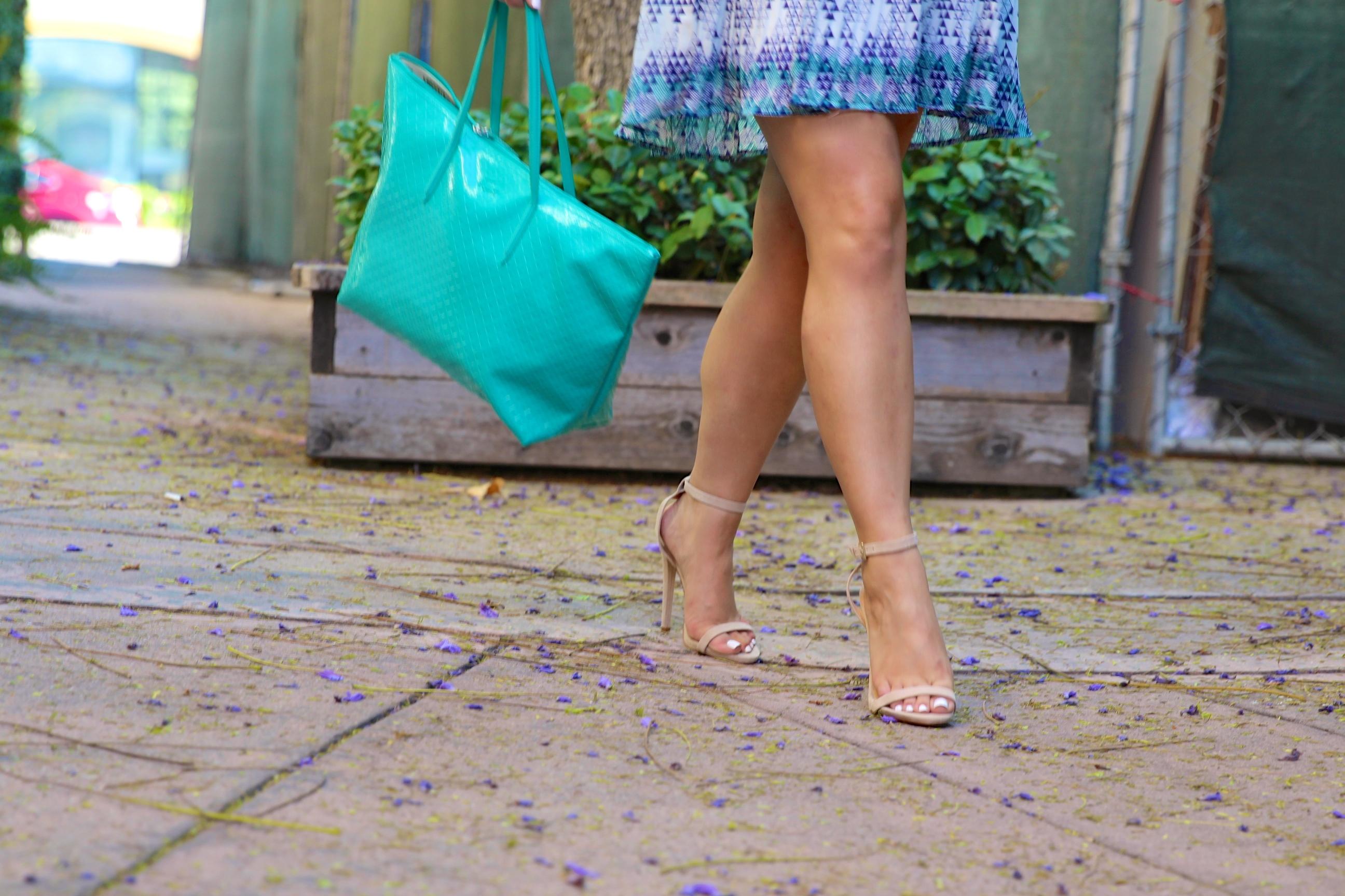 missyonmadison, melissa tierney, fashion blog, fashion blogger, nude ankle strap heels, nude ankle strap sandals, aqua tote, aqua blue tote, halter dress, just fab dress, printed halter dress, la blogger, los angeles blogger, mirrored aviators, ray bans,