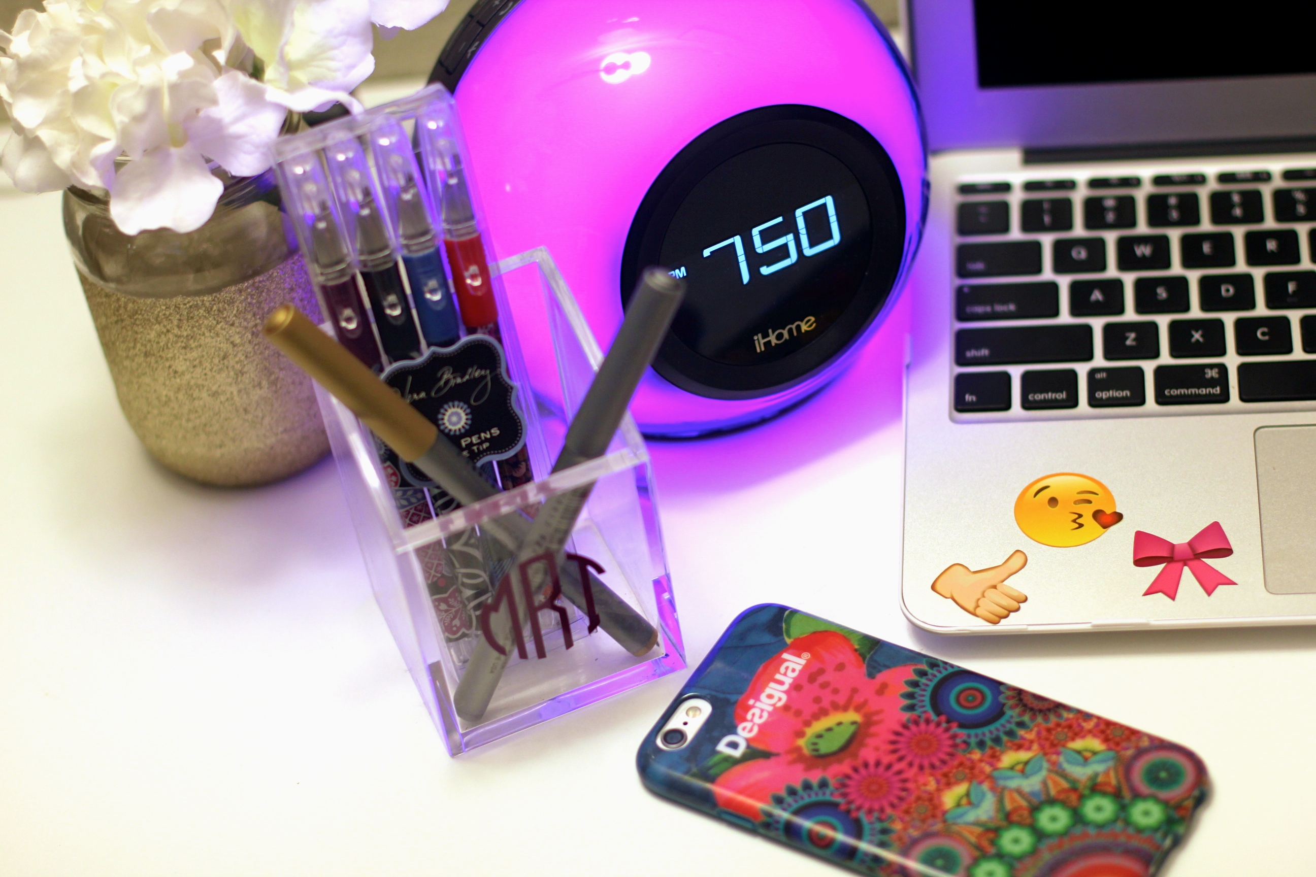 missyonmadison, melissa tierney, tech gifts, 2015 gift guide, gift ideas, 2015 top gifts, holiday gift guide, glitter mason jar, macbook air 11 inch, white marble macbook air case, idecoz, tech accessories, nordstrom, nordstrom tech gifts, idecoz phone accessories, desigual, desigual iphone case, iphone cases, stocking stuffers, vera bradley gel pens, ihome alarm clock, ihome stereo, ihome system,