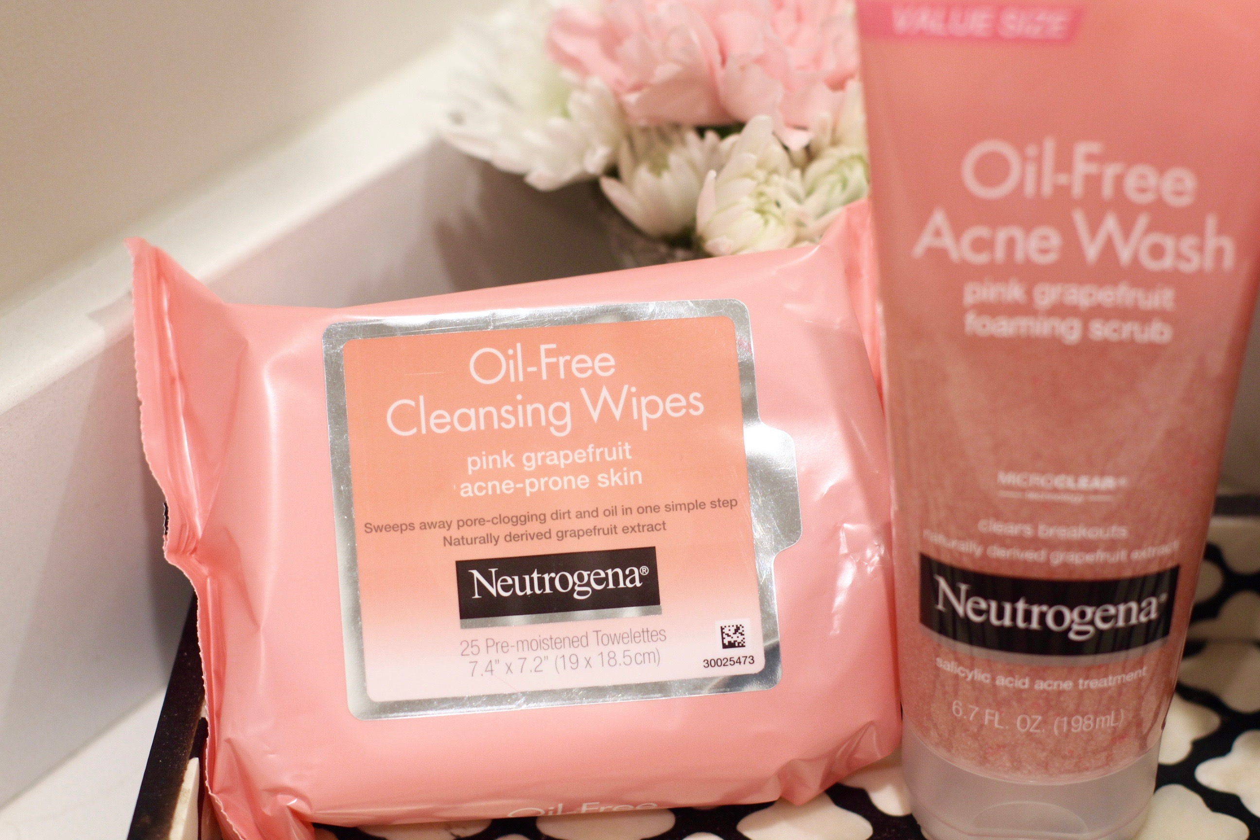 missyonmadison, melissa tierney, target, skincare, beauty, neutrogena, back to school morning routine, skincare routine, neutrogena wipes, face products, college supplies, target beauty, beauty steals, beauty deals, beauty blogger, tutorials,