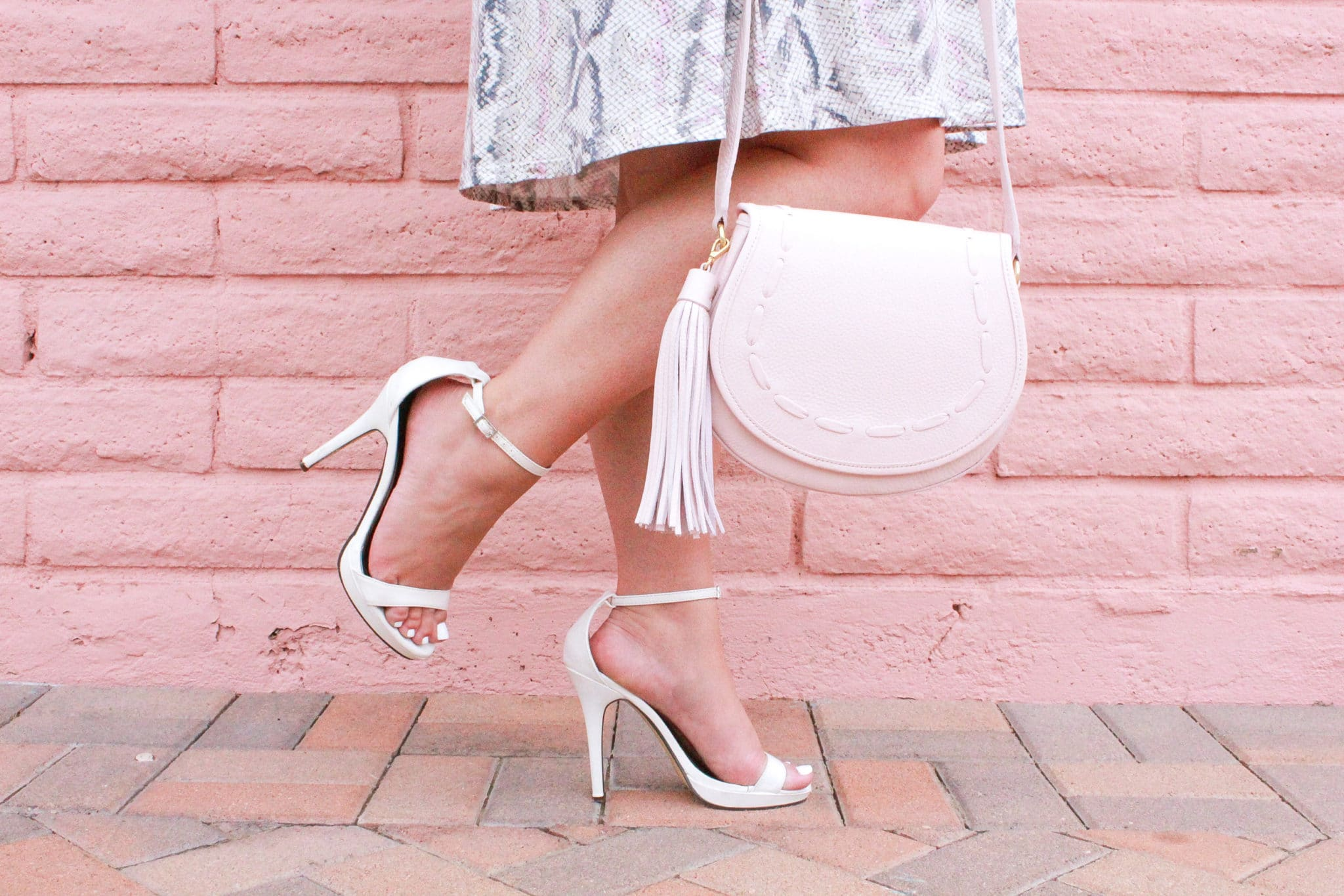 missyonmadison, missyonmadison blog, missyonmadison blogger, melissa tierney, melissa tierney instagram, bloglovin, la blogger, blogger style, tart collections, tart collections dress, white ankle strap heels, crossbody bag, gigi new york crossbody bag, gigi new york, white heeled sandals,