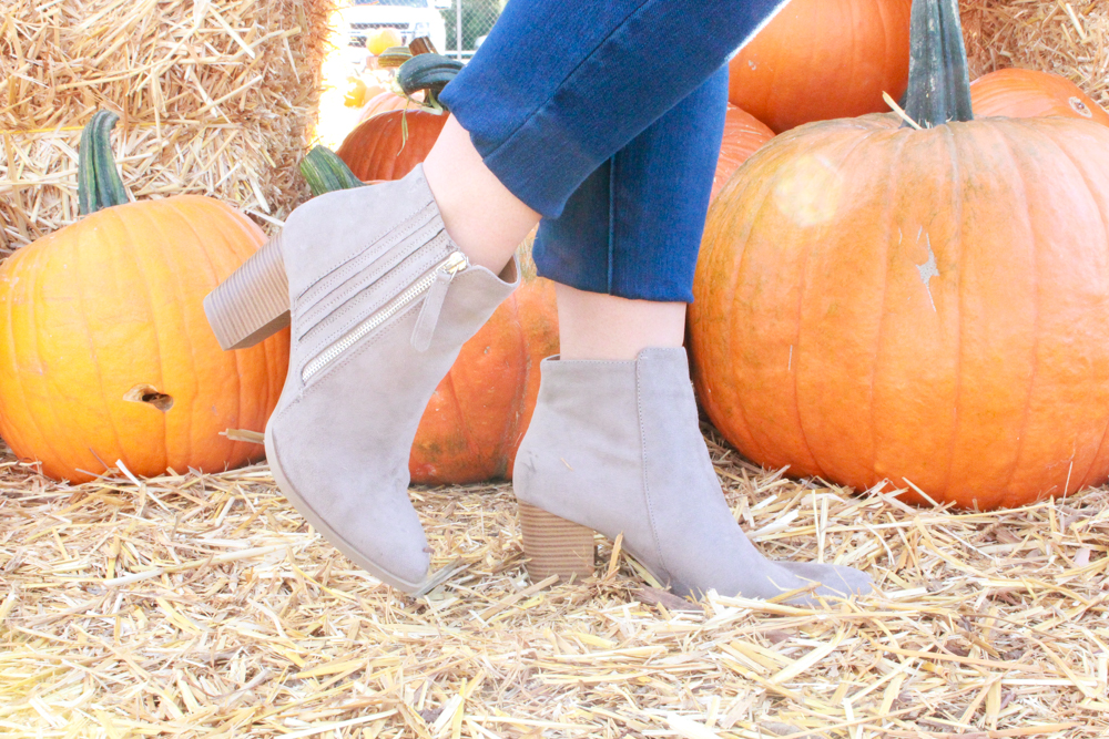 missyonmadison, missyonmadison blog, missyonmadison instagram, la blogger, missyonmadison blog, fall style, melissa tierney, melissa tierney instagram, melissa tierney blogger, shop the mint, rainbow sweater, white striped sweater, sweater weather, taupe ankle booties, taupe booties, taupe boots, taupe ankle boots, heeled ankle booties, louis vuitton pouchette metis, louis vuitton pouchette metis bag, old navy jeans, old navy rockstar jeans, dark wash skinny jeans, mirrored aviators, pumpkin patch, pumpkin patch look, what to wear for fall, what to wear for the pumpkin patch, fall 2018 style, fall trends, fall fashion inspo, fall fashion trends, valencia pumpkin patch, santa clarita pumpkin patch,