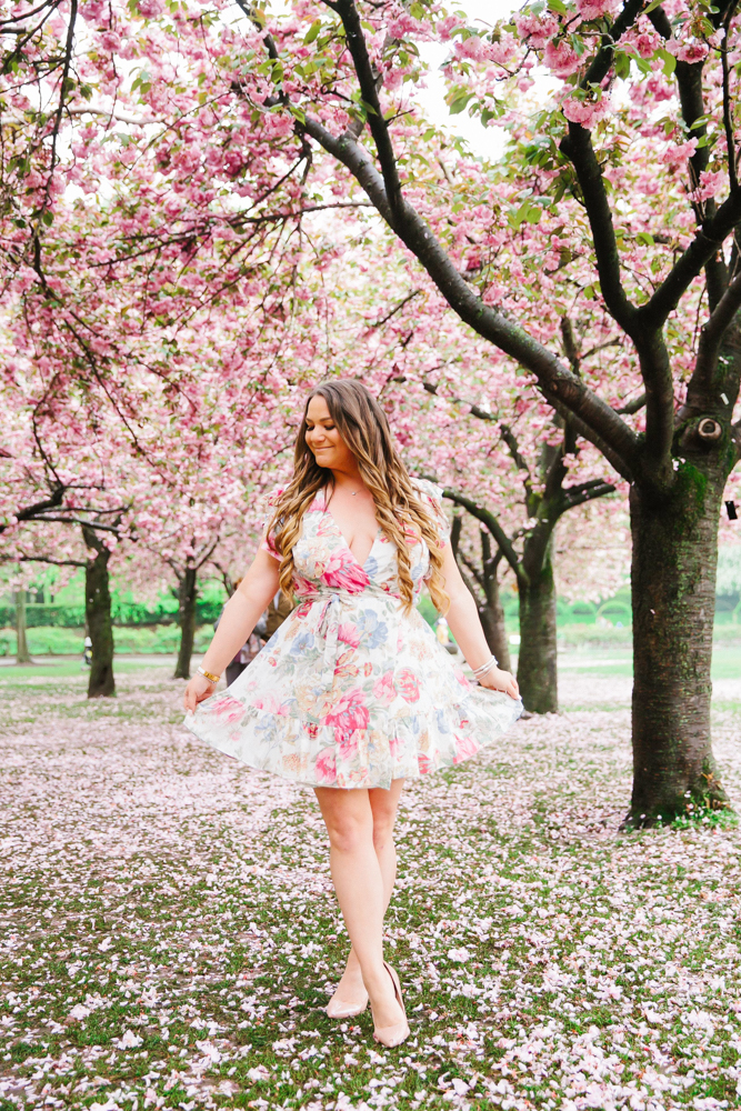 missyonmadison, missyonmadison blog, la blogger, missyonmadison instagram, wayf dress, wayf wrap dress, wayf floral wrap dress, nordstrom, wayf dress nordstrom, nude pumps, nude patent leather pumps, red gucci bag, red crossbody bag, brooklyn botanical garden, nyc photographer, nyc photoshoot, nyc blogger, ny blogger, la blogger, wayf pr clothing, nude heels, summer style, spring style,